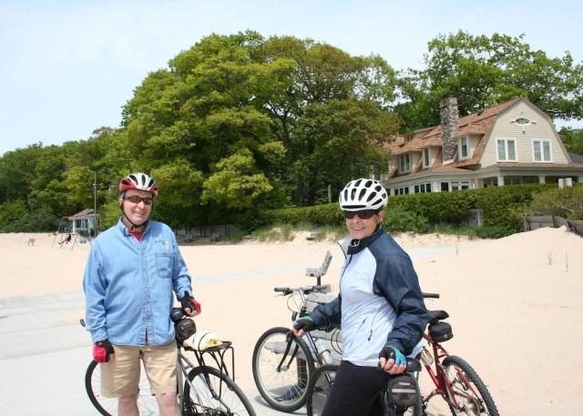 Mom and Dad Bikes Frankfurt Beach