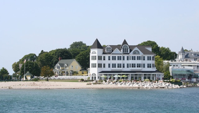 Hotel Iroquois at the Shore